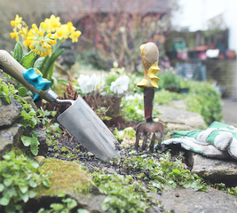 Get to grips with your garden with sugru