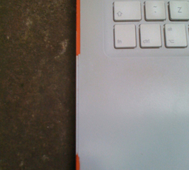 Fix the cracked edge of a Macbook