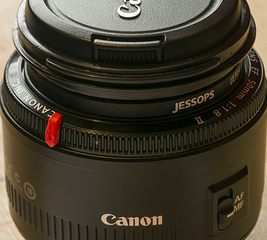 Add a focus marker to a Canon lens