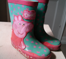 Fix a pair of Peppa Pig wellies